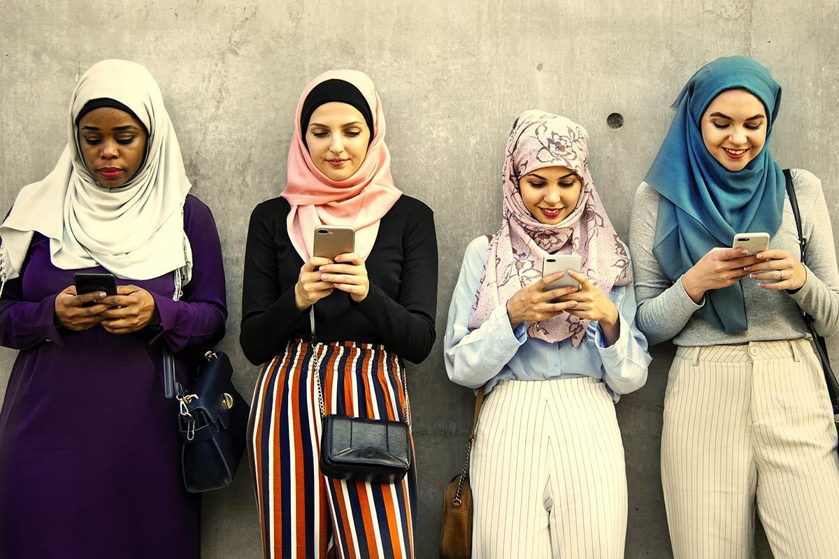 Welke landen zitten dagelijks het meest op internet en social media?